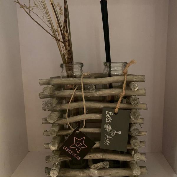 Flesjes in houten statief